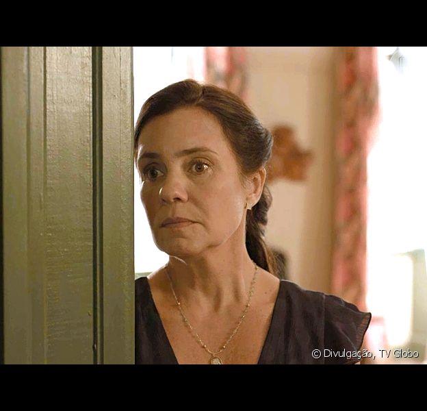 Nos próximos capítulos da novela 'Amor de Mãe', Thelma (Adriana Esteves) decide matar a mãe biológica de Camila (Jéssica Ellen)