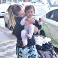 Filha de Thaeme Mariôto exibiu carisma e beleza ao ser clicada com a mãe