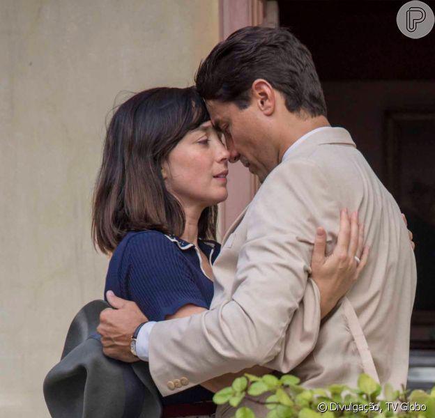 Na novela 'Éramos Seis', Clotilde (Simone Spoladore) casa com Almeida (Ricardo Pereira) no capítulo de sábado, 21 de março de 2020