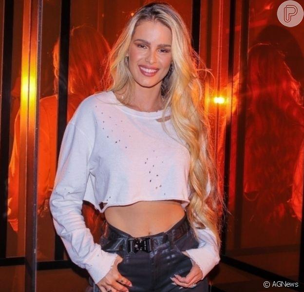 Yasmin Brunet engatou romance com surfista Gabriel Medina