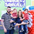 Gusttavo Lima e Andressa Suita curtem passeio com filho