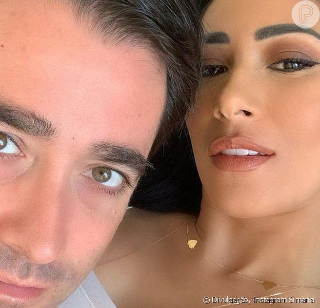 Simaria surpreendeu ao mostrar uma foto rara ao lado do marido, Vicente