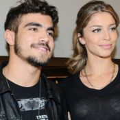 Caio Castro treina na quarentena e exibe casa de Grazi Massafera em vídeo