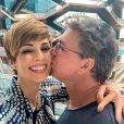 Casado com Ana Furtado, Boninho apareceu dançando com a apresentadora em video
