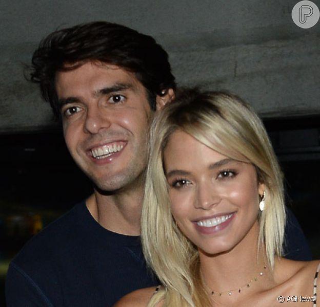 Carol Dias e Kaká revelaram o sexo do primeiro filho do casal. Jogador que completa 38 anos nesta quarta-feira, 22 de abril de 2020, já é pai de Luca e Isabella