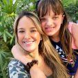 Filha de Ticiane Pinheiro, Rafaella Justus se espantou com quantidade de cabelo cortado pela mãe: 'Cortou muito!'