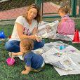 Patricia Abravanel se divertiu com os filhos Senor e Jane