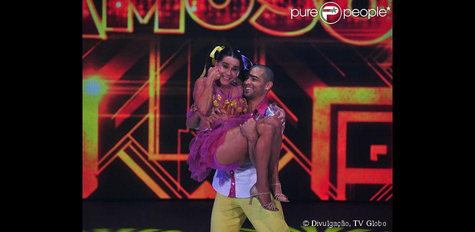 Lucélia Santos participou do quadro 'Dança dos Famosos' e esbanjou vitalidade