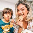 Kelly Key e o filho mais novo, Arthur, protagonizam cliques fofos na web