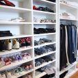 Anitta mostrou o seu closet em vídeo