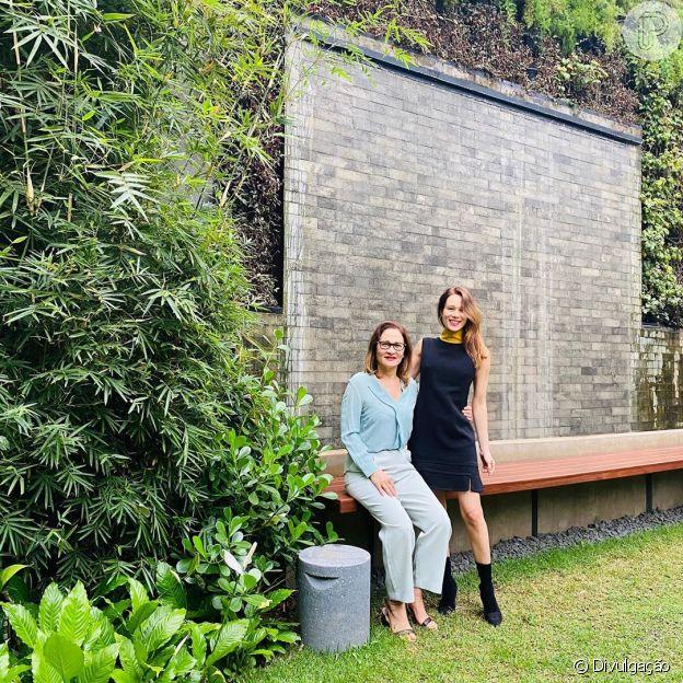 Mariana Ximenes se redescobre na cozinha em quarentena: 'Bolo é especialidade'