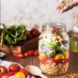 Priorize alimentos naturais e reduza farinha branca e açúcares