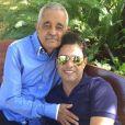 Zezé Di Camargo publicou mensagem lamentando a morte do pai, Francisco