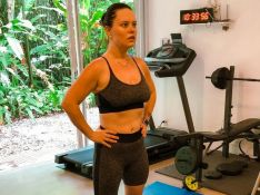Mariana Bridi mostra resultado da malhação e ganha elogio de personal: 'Muito orgulhoso'