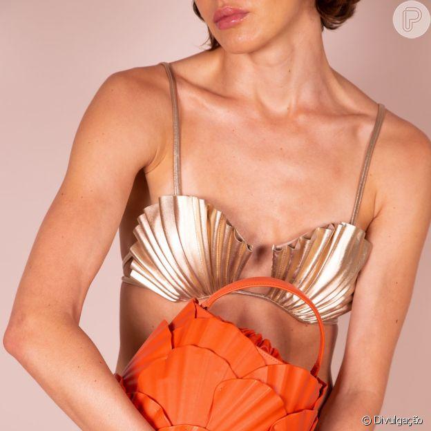 O biquíni de conchas de Adriana Degreas inspirou coleção de bolsas da Ryzí