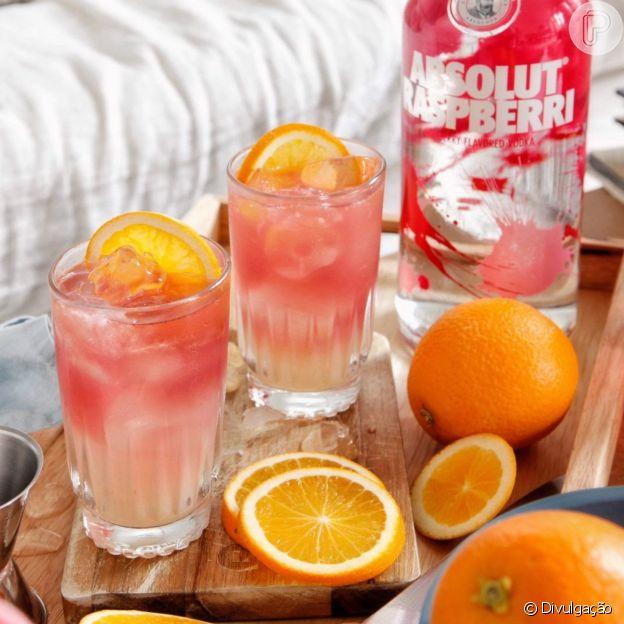 Drinks refrescantes com vodkas saborizadas