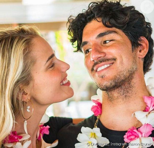 Yasmin Brunet e Gabriel Medina estão completando 1 ano juntos nesta quinta-feira, 4 de março de 2021