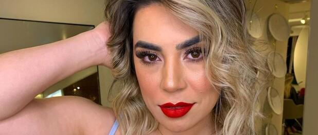 Naiara Azevedo dá dicas de beleza e assume choque ao descobrir estrias. Vídeo