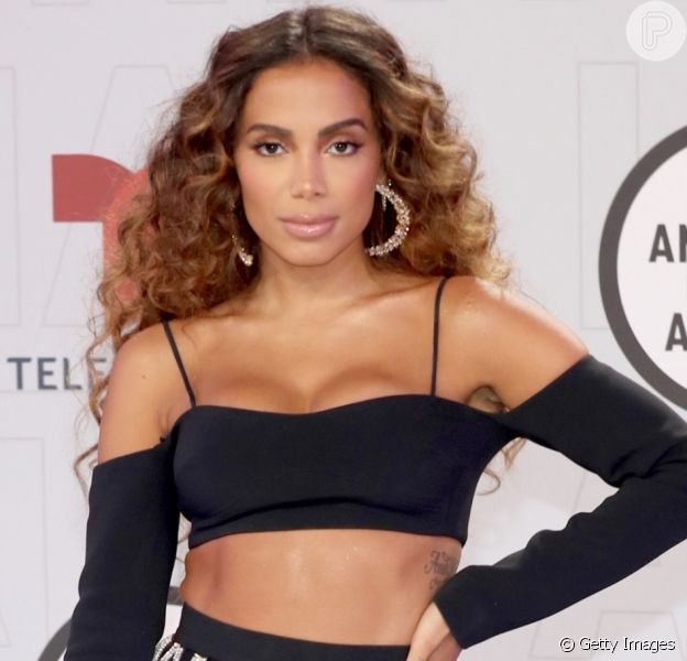Anitta marca presença no Latin American Music Awards, realizado em Los Angeles, na noite desta quinta-feira, 15 de abril de 2021