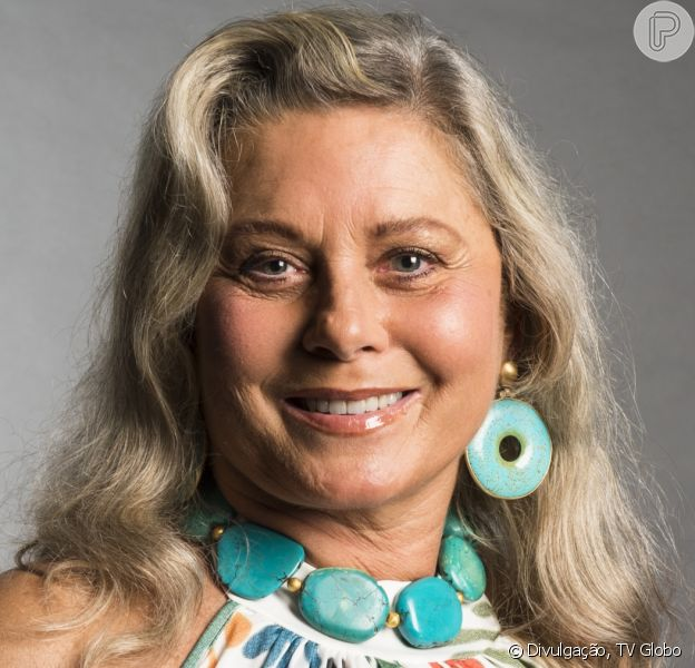 Vera Fischer posa com o filho e semelhança do rapaz com Felipe Camargo chama atenção, em 17 de abril de 2021