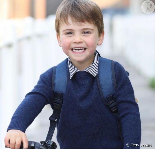 Caçula de Kate Middleton e William agita web por foto na véspera de 3º aniversário: 'Cresceu'