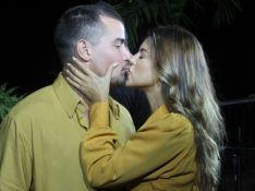 Thiago Martins troca beijos com Talita Nogueira em gravação com famosos no Vidigal