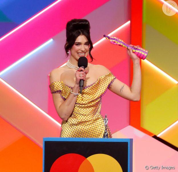 Confira os looks do Brit Awards 2021