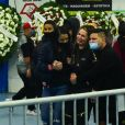 MC Kevin: velório foi marcado pelo desespero da viúva, Deolane Bezerra