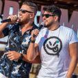Zé Neto gera polêmica ao vestir camisa do SPFC em live com Cristiano e mais sertanejos