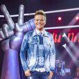 Filha de Michel Teló reage animada ao ver o pai no 'The Voice Kids'