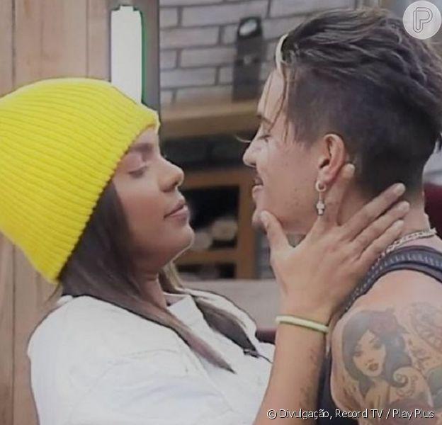 Biel e Tays Reis confirmam volta após cantor escrever 'Te amo'