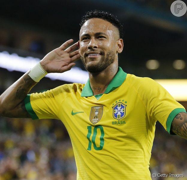 Neymar teria proibido telefones celulares na festa, de modo que todos os convidados precisaram deixar aparelho na porta