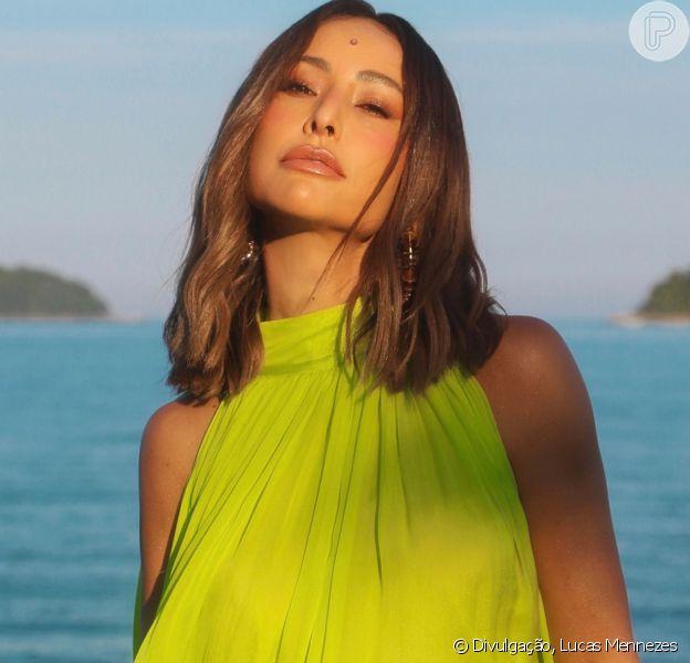 Sabrina Sato divulga 'Ilha Record', sua estreia à frente de realty show
