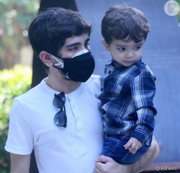 Filho de Mabel Calzolari e João Fernandes ganhou homenagem do pai em aniversário de 2 anos