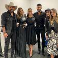 Andressa Suita e Gusttavo Lima posaram juntos nos bastidores de live do cantor
