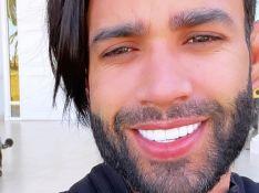 Gusttavo Lima posa de sunga e chama atenção de seguidores por detalhe do corpo em foto