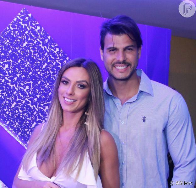 Separação de Nicole Bahls e Marcelo Bimbi: modelo foi traída pelo marido, diz colunista
