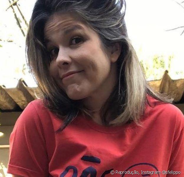 Samara Felippo faz crítica a pais ausentes com camiseta: 'Pãe não existe'