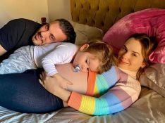 Grávida de 9 meses, Thaeme bate barriga em caixa e vai ao hospital: 'Pancada foi grande'