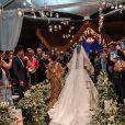 Vestido de noiva de Viviane Araujo teve  26 metros de renda