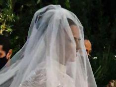 Viviane Araujo usa vestido de noiva com 40 mil cristais e avaliado em R$ 80 mil. Detalhes!