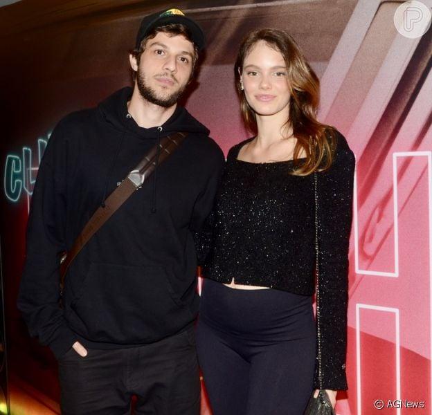 Laura Neiva e Chay Suede haviam feito mistério sobre o nome do seu segundo filho
