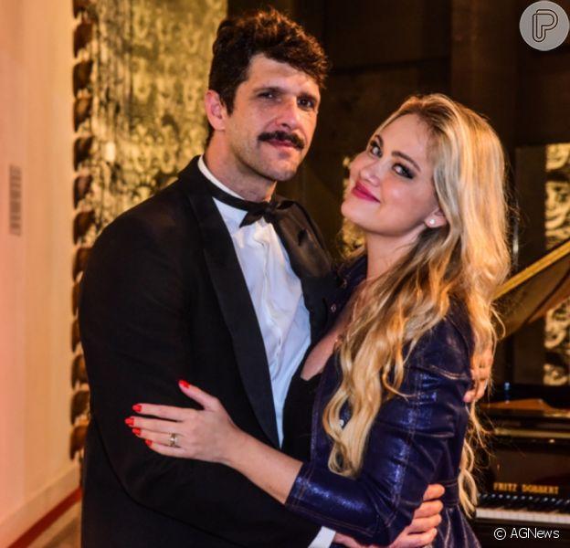 Ellen Rocche prestigiou o namorado, Guilherme Chelucci, nos palcos neste domingo, 12 de setembro de 2021