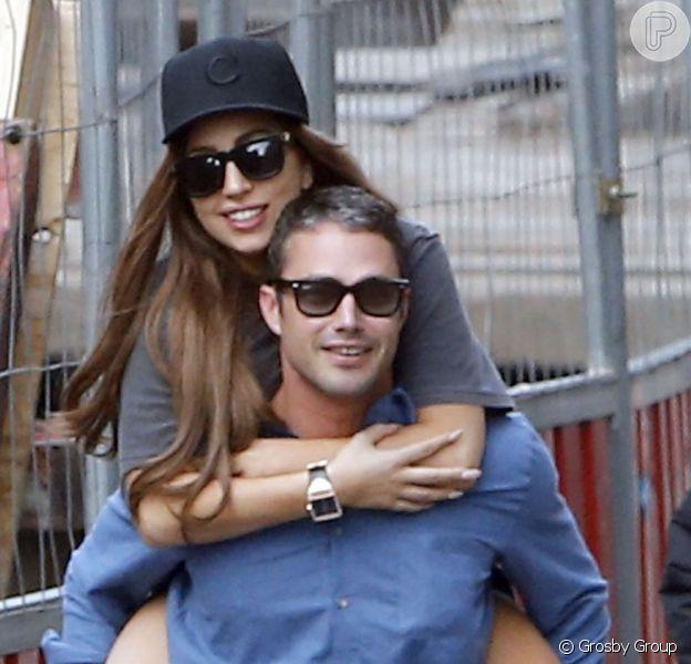 Lady Gaga e Taylor Kinney pretendem se casar ainda este ano, segundo informações do jornal britânico 'The Sun', nesta segunda-feira, 11 de março de 2013