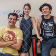 Sergio Guizé recebeu Nathalia Dill e Thiago Lacerda num ensaio de sua banda, 'Tio Che'
