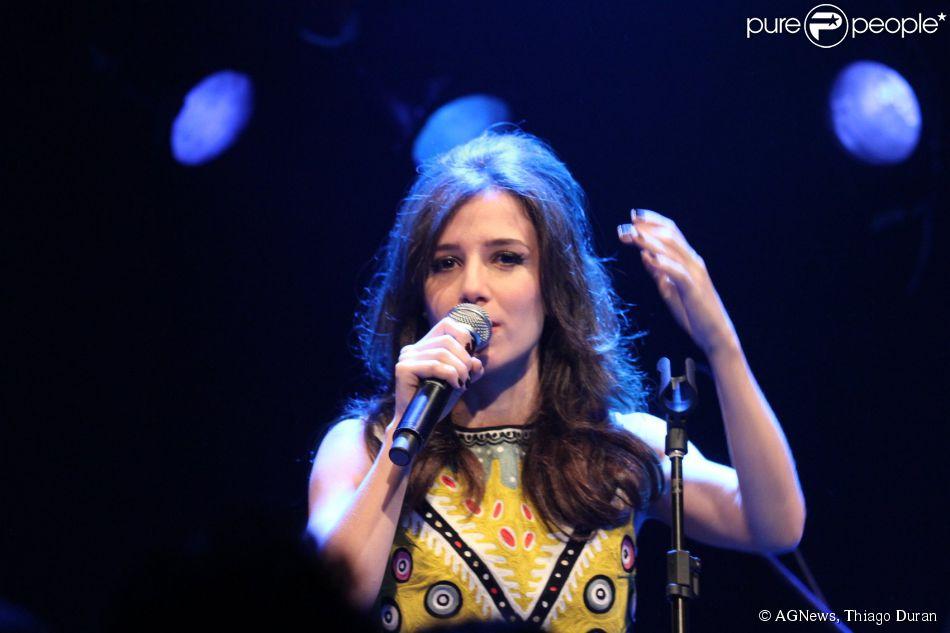 Marjorie Estiano faz show de lançamento de seu novo disco, 'Oito', em São Paulo, em 13 de dezembro de 2014