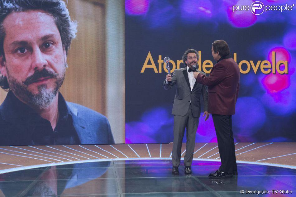 Melhores do Ano 2014 premia novela 'Império'. Alexandre Nero leva o troféu de Melhor Ator por seu personagem na trama de Aguinaldo Silva