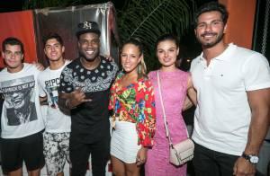 Isis Valverde e o namorado, Uriel Del Toro, curtem festa com Gabriel Medina