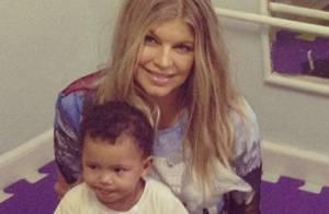 Fergie visita ONG no Morro do Cantagalo e recebe carinho dos fãs, no Rio