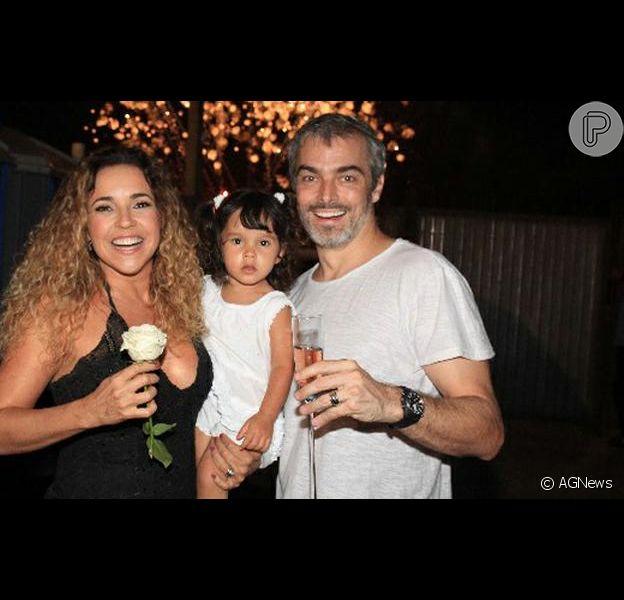 Daniela Mercury e Marco Sacbia terminam casamento de três anos em novembro de 2012